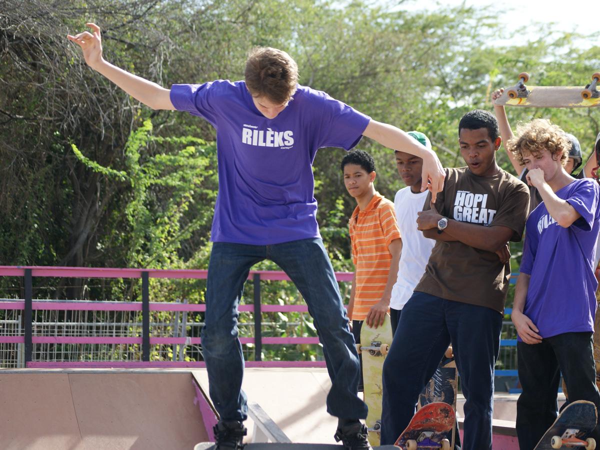 Skaters wearing shirts&words T-shirts