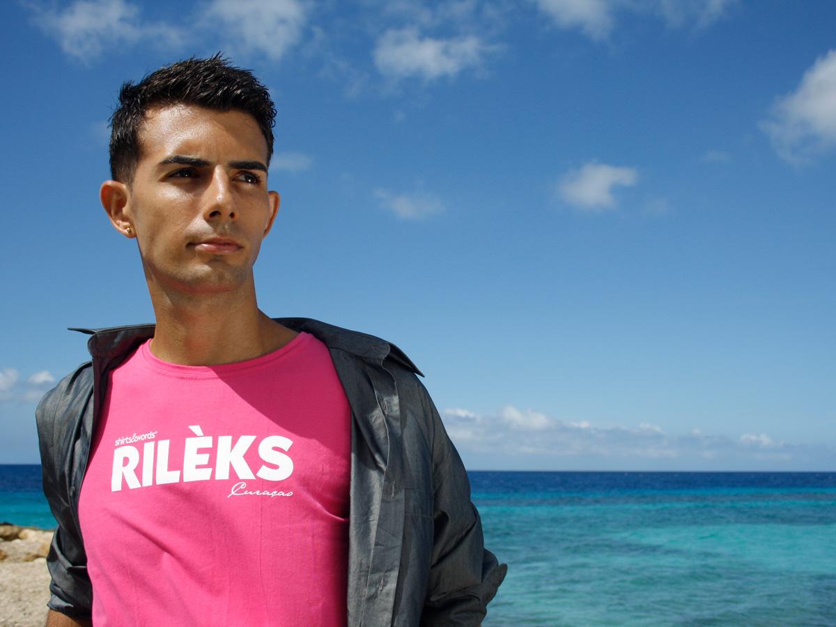 pink rileks t-shirt