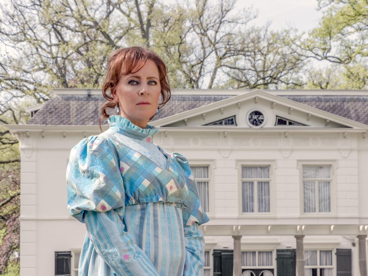 Mireille showing a handmadedress at Wallsteijn Estate
