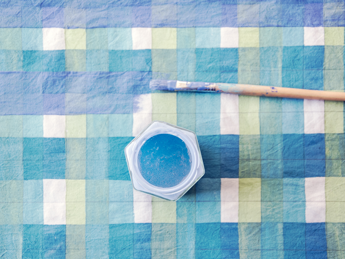 Painting a plaid pattern