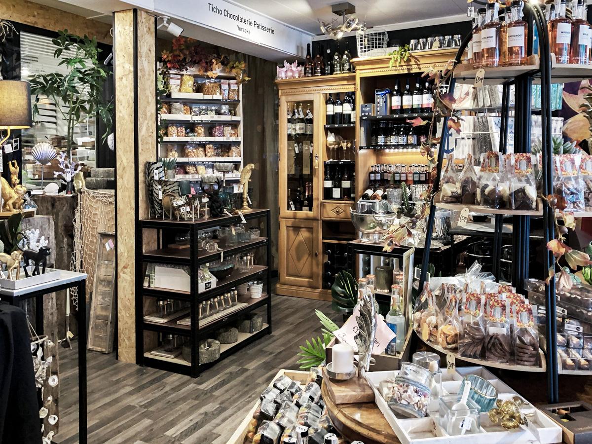 Chocolaterie boutique interior